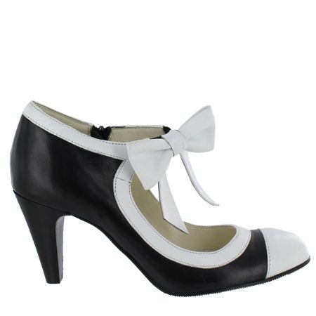 Marta Jonsson Women`s mary jane court shoes