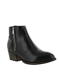 Women`s Ankle Boot With Zip