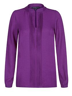 Pleat blouse in clever fabric
