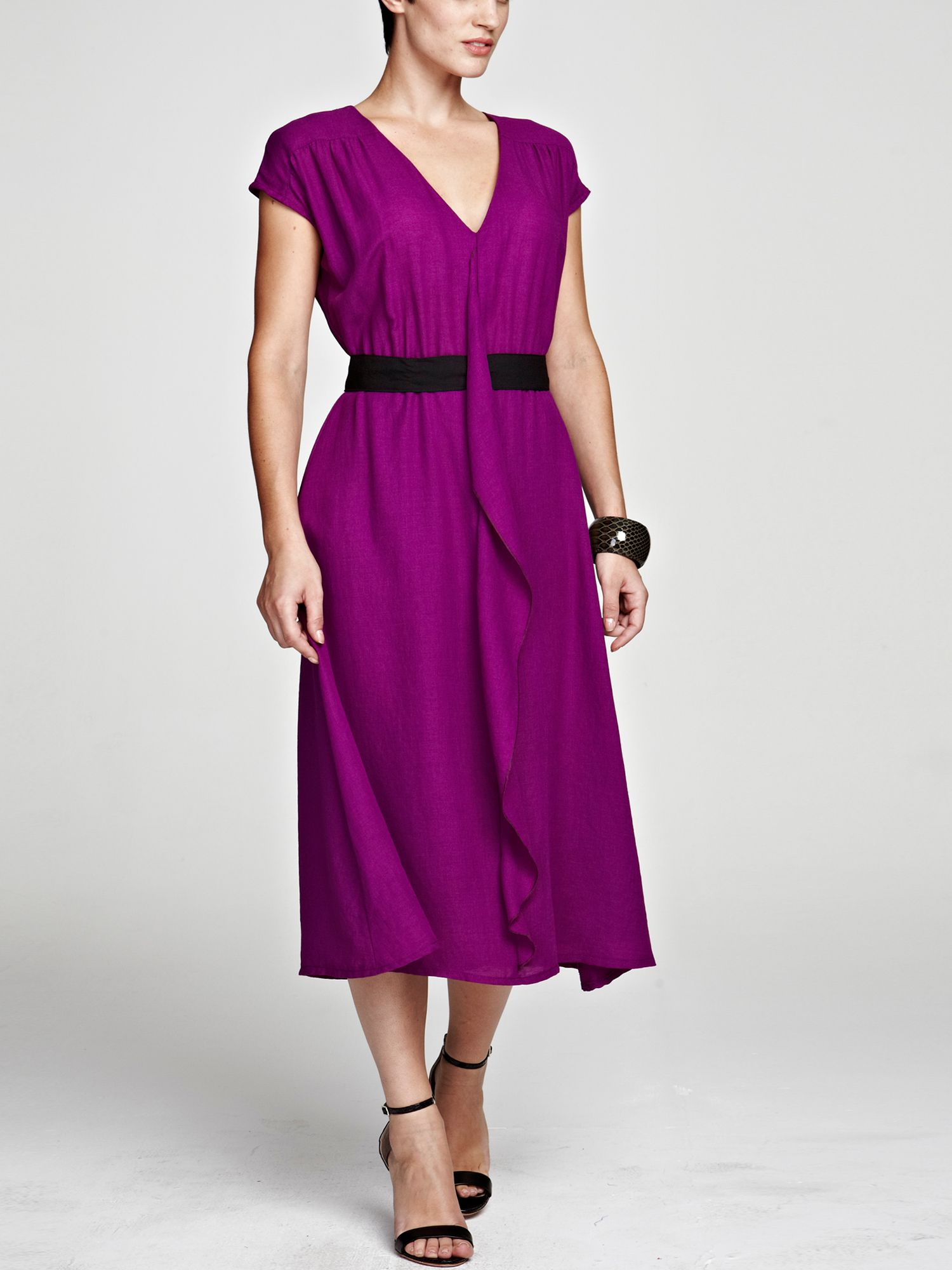 V neck ruffle dress in clever fabric