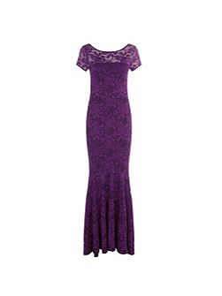 Long lace dress with cap sleeve