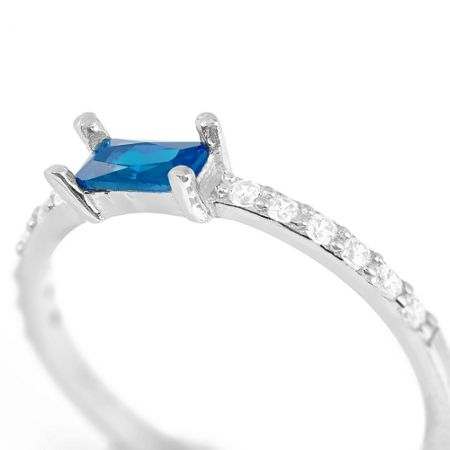 Lucky Eyes Sapphire baguette ring
