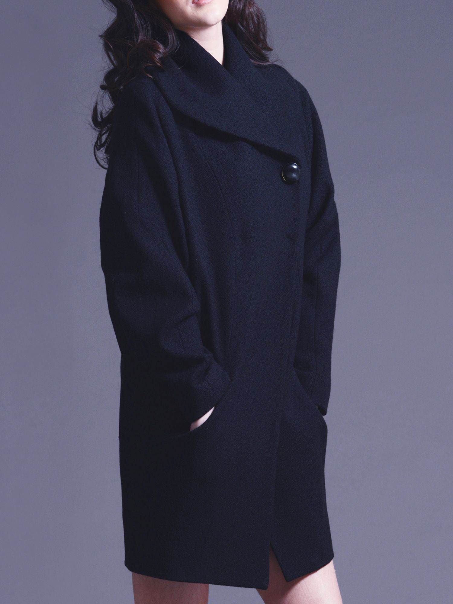 Wool cocoon coat