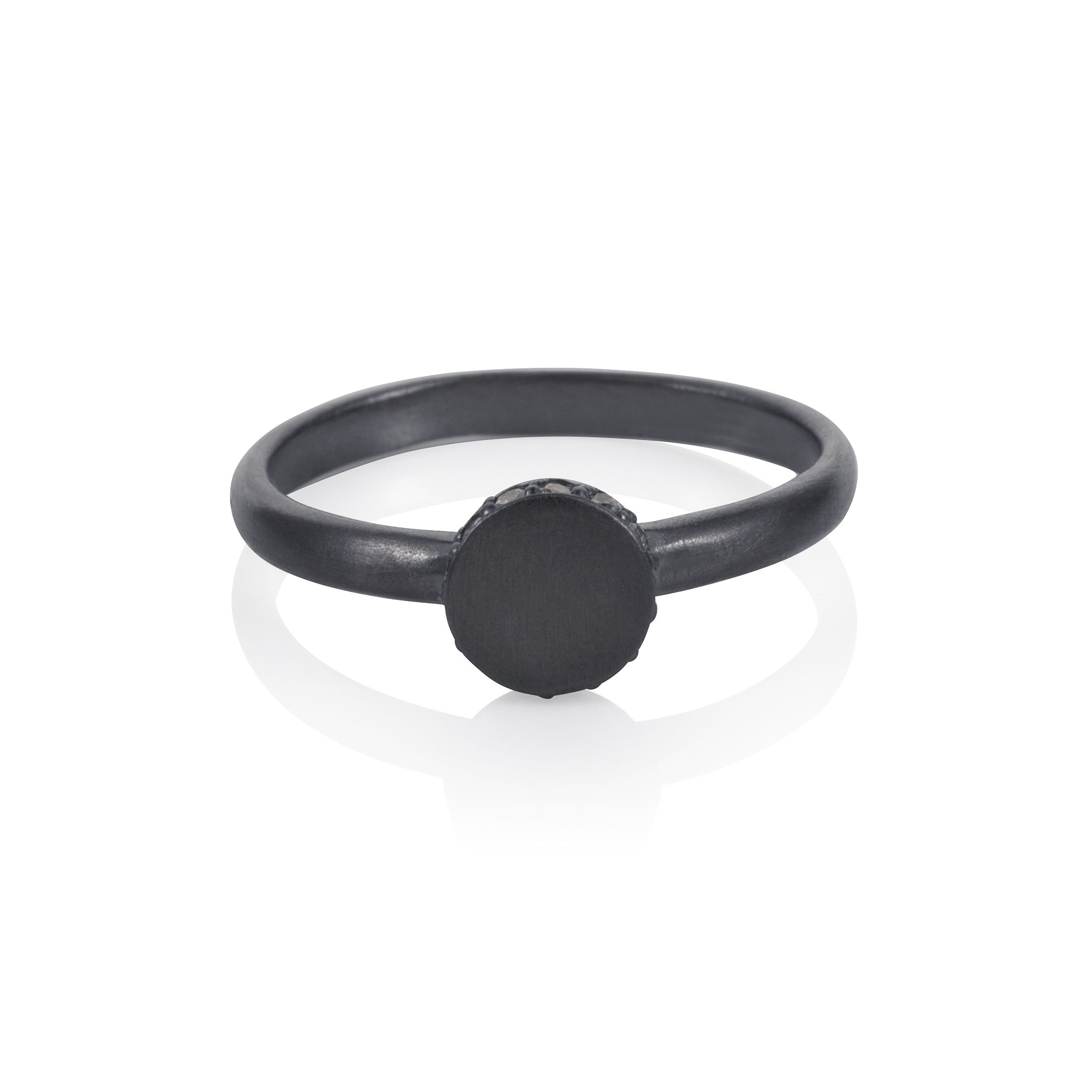 Sterling silver black rhodium plated circle ring