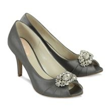Tender peep toe shoes