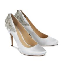 Round toe Trinket court shoes
