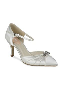 Two part pointed tow court shoes