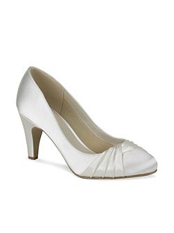 Ruffle Pleated Round Toe Shoes