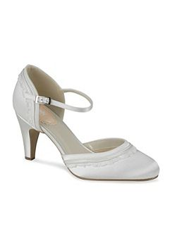 Two part round toe Frill shoes