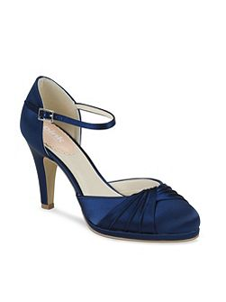 Two part pleated front platform shoes