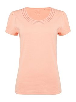 Short Sleeve Neck Trim Top