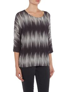 VIZ-A-VIZ Three Quarter Sleeve Boat Neck Top
