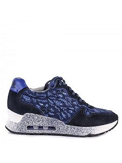 Love lace trainers
