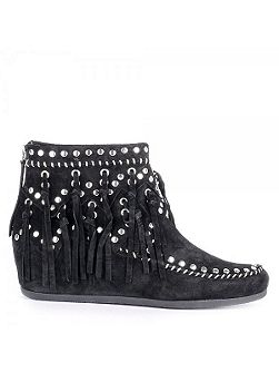 Spirit suede fringe low wedge boots