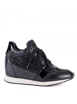 Diamond wedge trainers