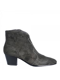 Hurrican ankle boots