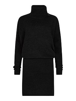 Funnel neck knitted dress