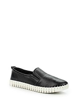Ely leather twin gusset flexi slip ons