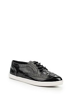 Tyne brogue lace detail point plimsolls