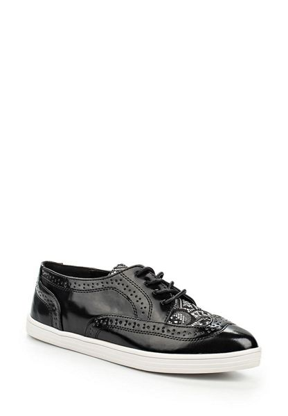 Lost Ink Tyne brogue lace detail point plimsolls