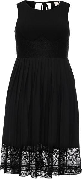 Lost Ink Curve Pleated Hem Lace Dress