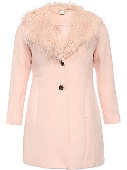 Curve Coat With Fur Collar