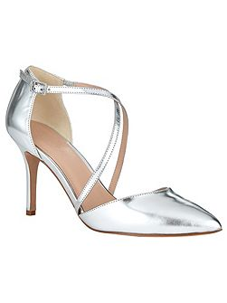 Izzy Metallic Leather Pointed Court