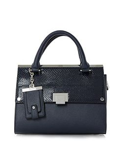 Dinidonovan mini structured flap over bag