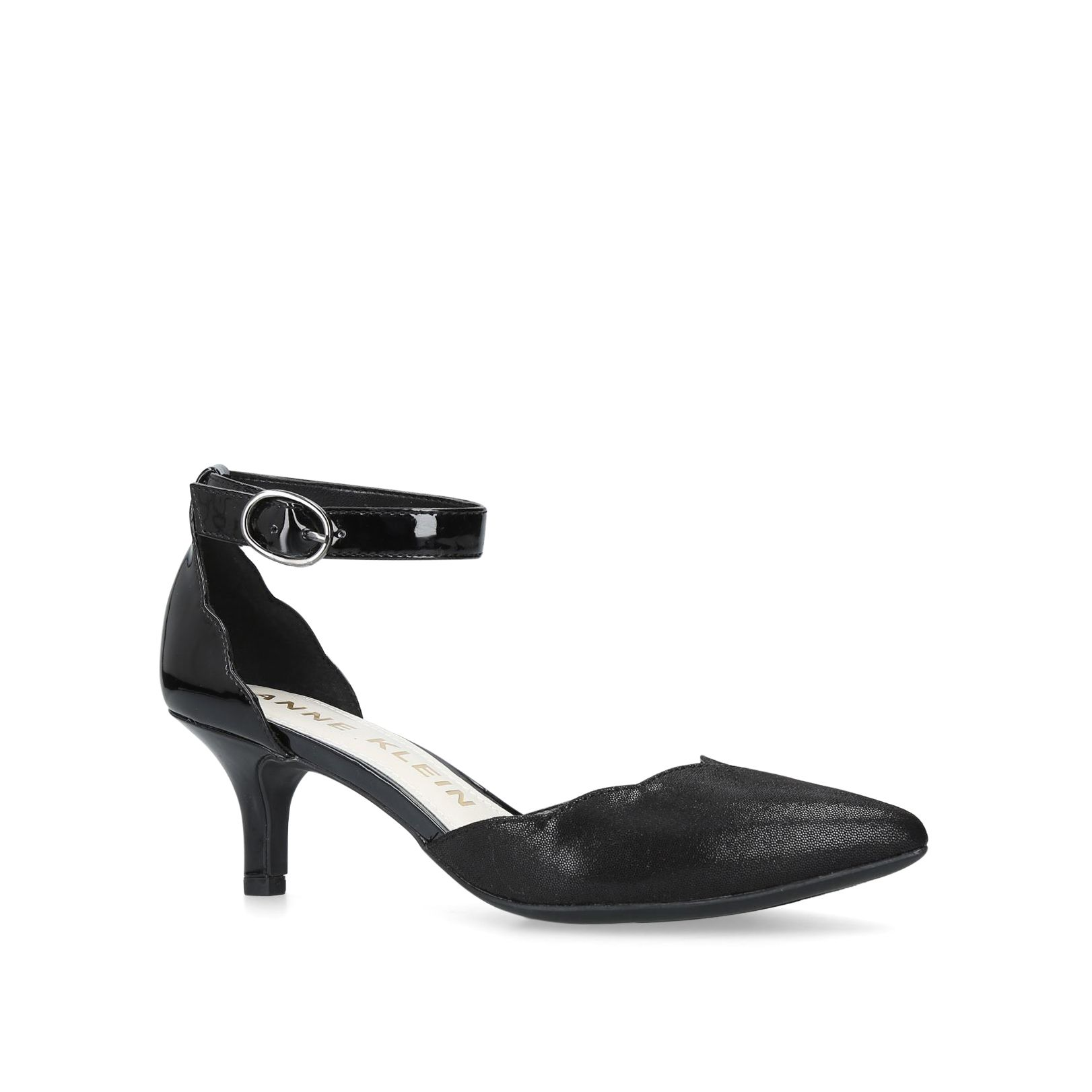 Anne Klein Fonda Courts, Black