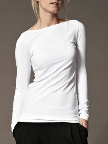 Close fitting boat neck top