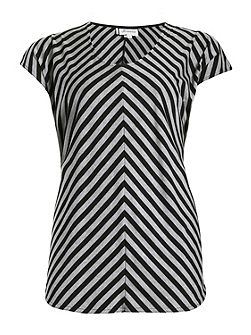 Plus Size Split Sleeve Chevron Tee