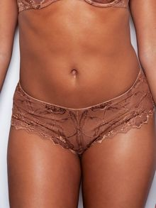 The classic lace short