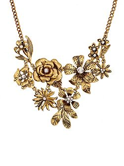 Gold flower & pearl necklace