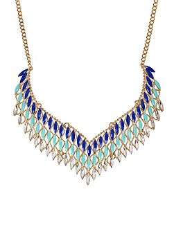 Elegant collar necklace