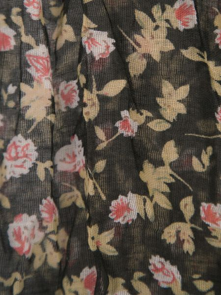 Ruby Rocks Classic floral crinkle scarf