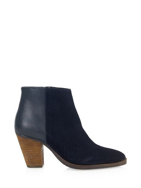 Cara Soreya ankle boot