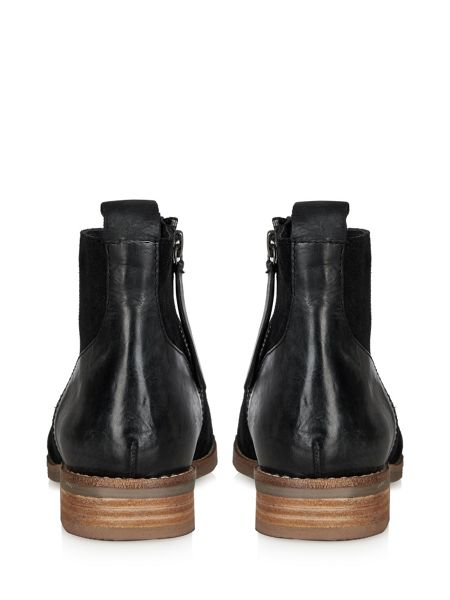 Cara Soja ankle boot