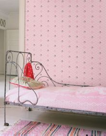 Graham & Brown Hello Kitty Flower Power Wallpaper
