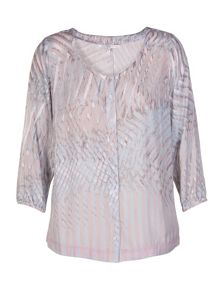 Plus size blouse with graphical streaks