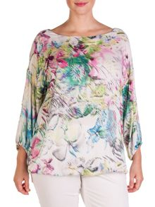 Plus size flower patterned cropped blouse