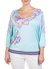 Plus size fluid top in floral jersey