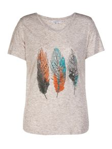 Plus size t-shirt with feather print
