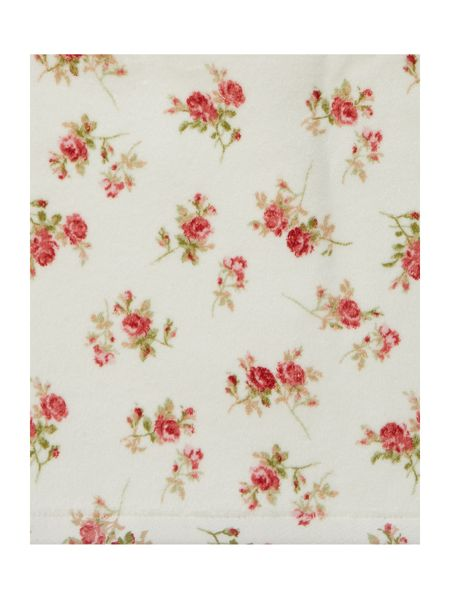 Shabby Chic Scattered Rose Floral Velour Bath Sheet