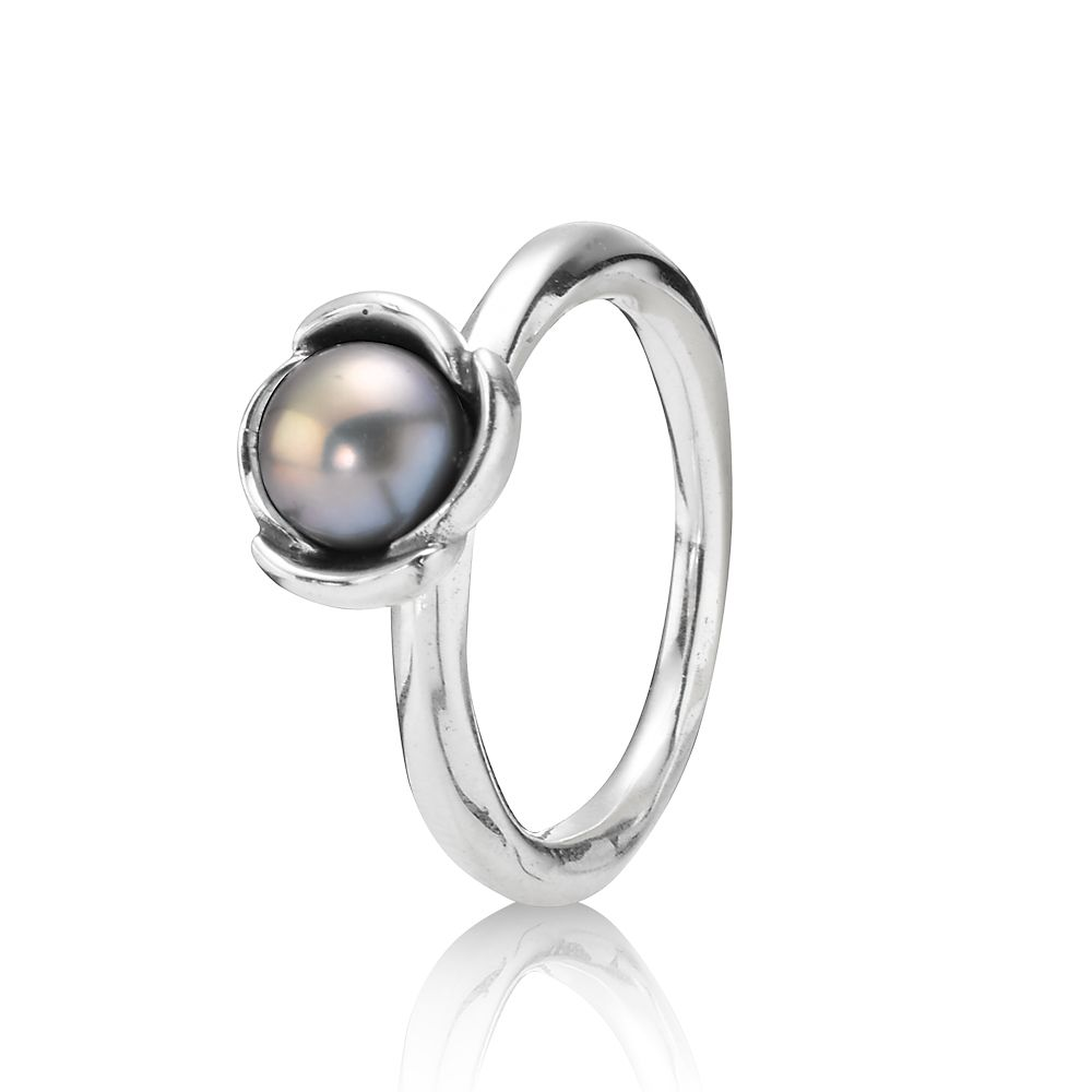 Sterling Silver and Grey Pearl Ring