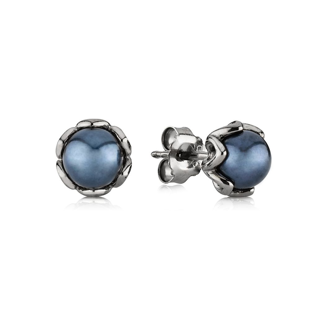 Grand Pearl Stud Earrings