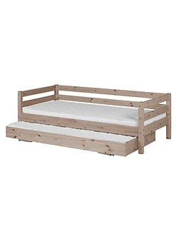 CLASSIC bed with pullout bed. Full length rail.