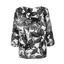 On trend  floral top 3/4 length sleeves.