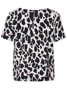Soaked in Luxury Animal Printed Top short sleeve