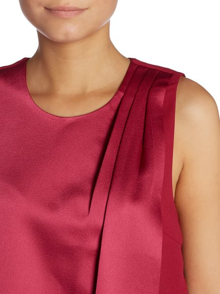 Y.A.S. Sleeveless layered top