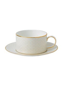 Arris tea cup and saucer gift boxed